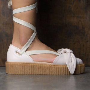 NWT 🌸 Fenty Bow Creeper Sandal in Light Pink